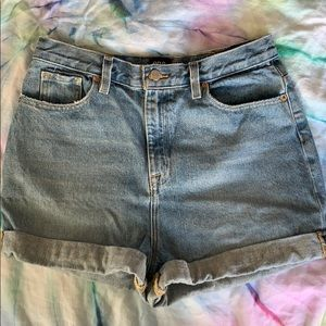 UO Exclusive BDG Mom Jean Shorts